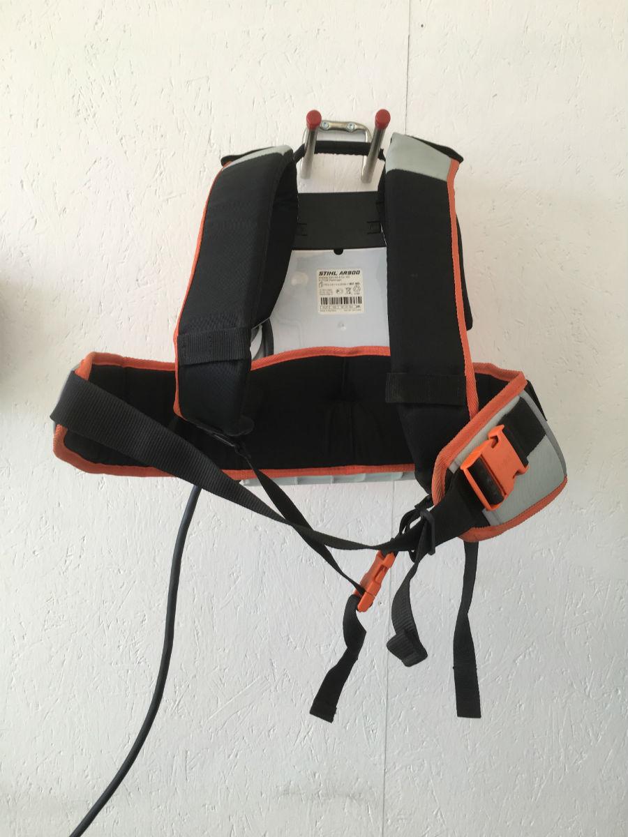 Stihl Akku-Rückentraggestell AR 900_hinten
