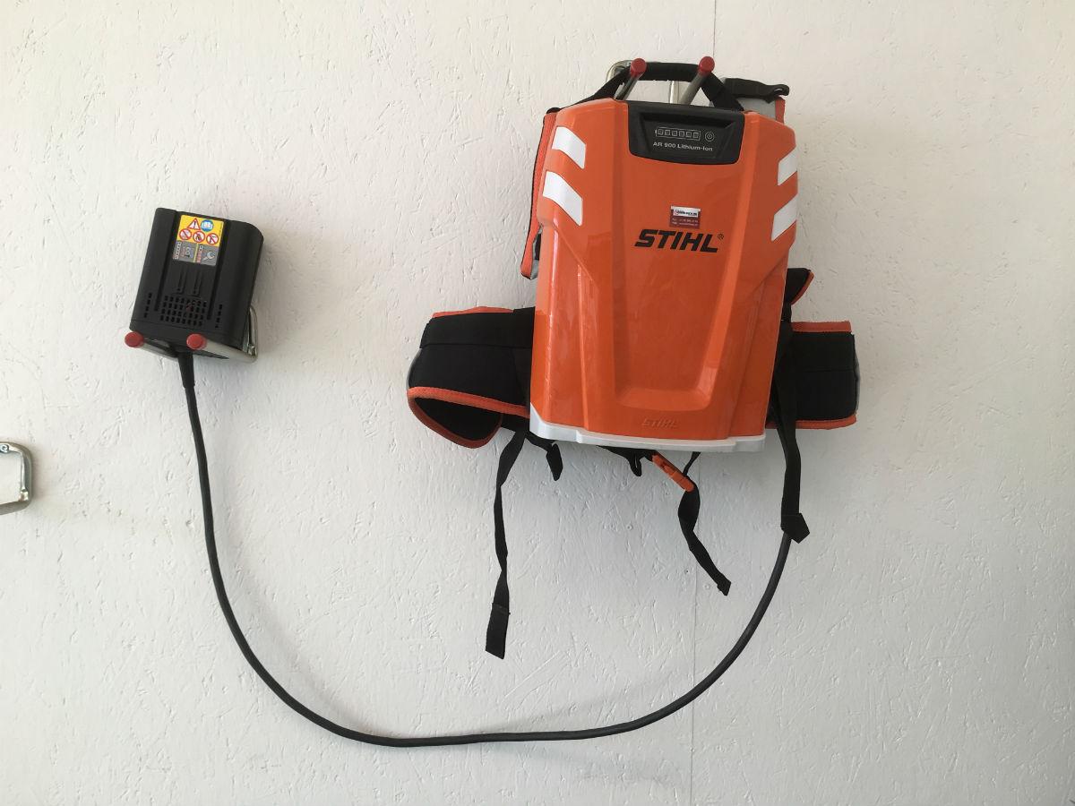 Stihl Akku-Rückentraggestell AR 900_vorne_ganz